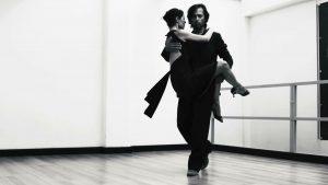 """Immagine del videoclip """"El día que me quieras"""" con i ballerini Gabriele Sassetti e Sara Casotti"""